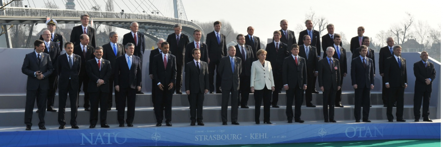 The official portrait of the NATO Heads of State and Government, April 4, 2009