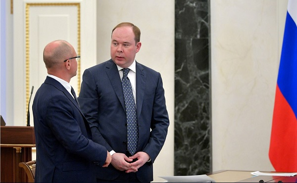 Anton Vaino, right, and Sergei Kirienko
