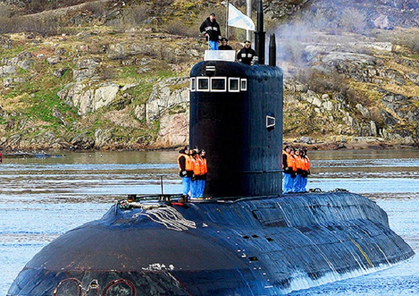 Diesel-electric submarine (project 636.3) Rostov-on-Don has successfully performed combat firings using Kalibr cruise missiles from underwater position in the Barents Sea, October 2, 2015.
